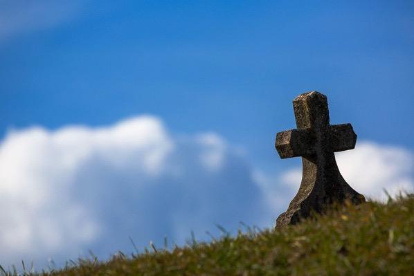 Grave 674443 1280